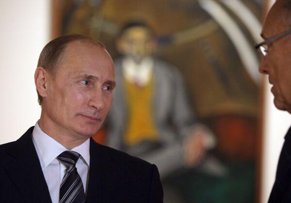 Премьер-министр РФ Владимир Путин посетил выставку Петр Кончаловский. К эволюции русского авангарда