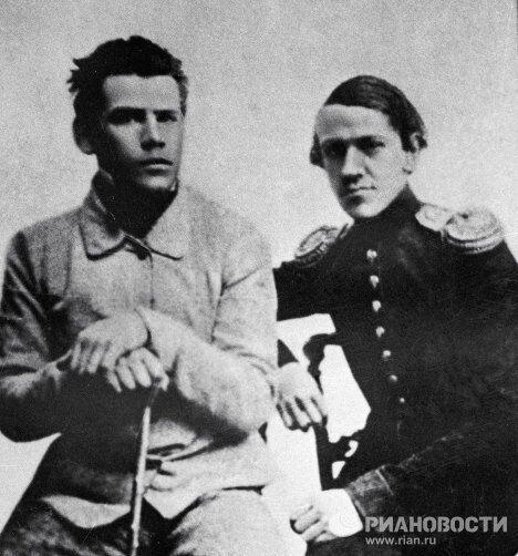 Писатель Лев Толстой с братом Николаем