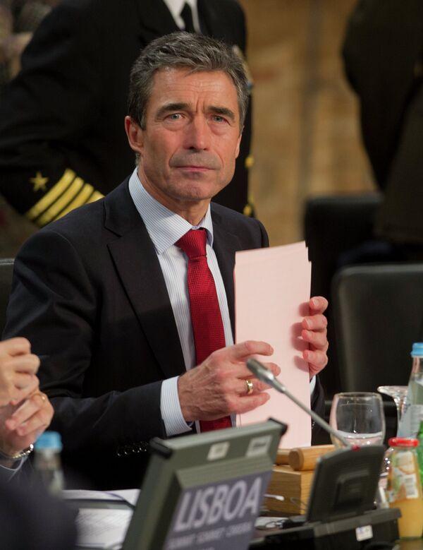Генсекретарь НАТО Андерс Расмуссен участвует в заседании Совета Россия–НАТО