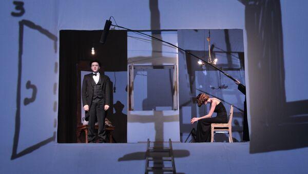 Сцена из спектакля Изотов