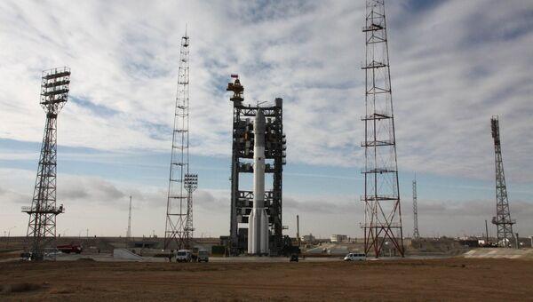 Ракета-носитель Протон-М с разгонным блоком ДМ-03 и кластером из трех космических аппаратов Глонасс-М