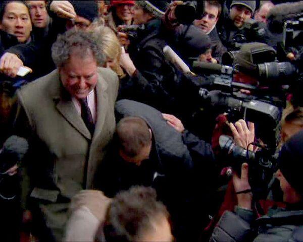 Арестованный Ассанж в хорошем настроении - адвокат