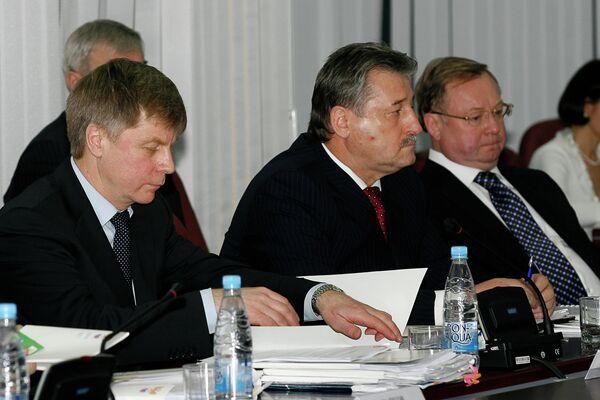Николай Толстых, Алу Алханов и Сергей Степашин (слева направо)