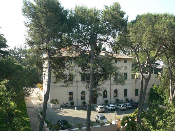 Посольство Швейцарии в Риме