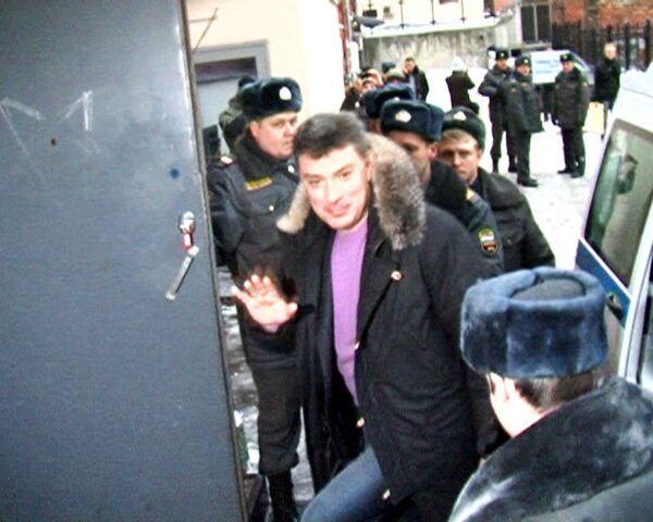 Тверской суд Москвы признал законным арест Бориса Немцова
