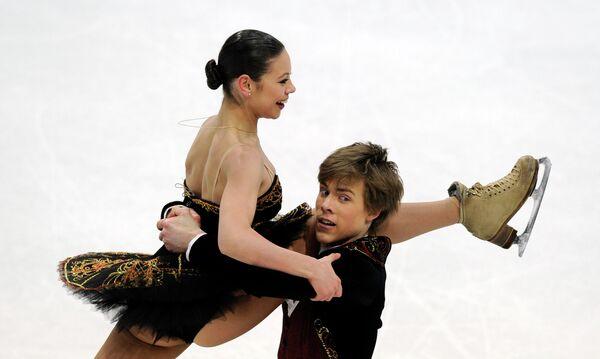 Елена Ильиных и Никита Кацалапов (слева направо)