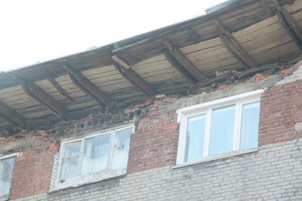 Обрушение кровли общежития в Новосибирске