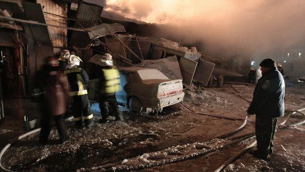 Пожар на автозаправочной станции компании IP на Софийской улице в спальном районе Санкт-Петербурга