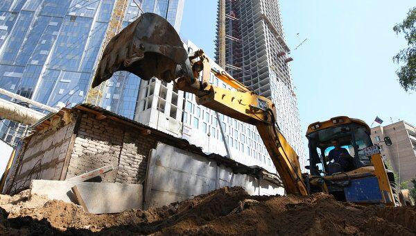 Строительство 49-этажного здания на Мосфильмовской улице. Архив