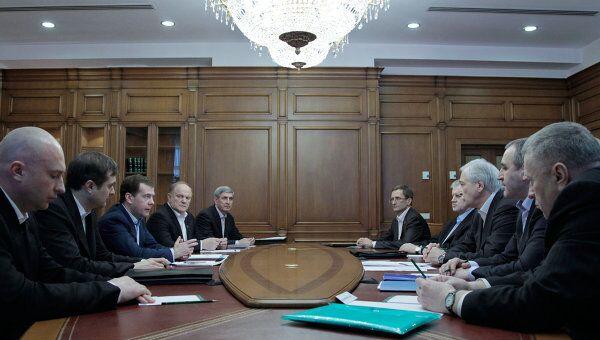 Встреча Дмитрия Медведева с лидерами думских фракций