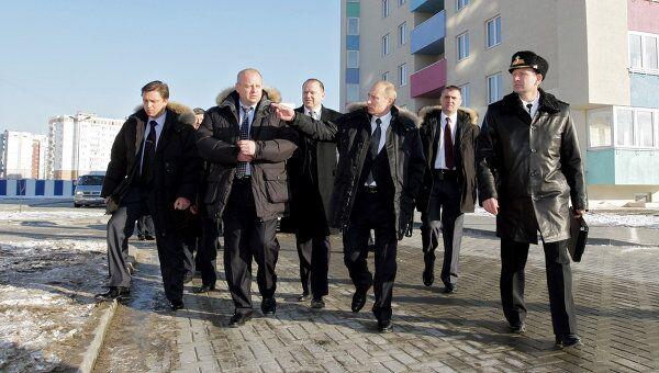 Премьер-министр РФ Владимир Путин посетил в Калининграде микрорайон Северный