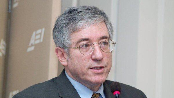 Леон Арон