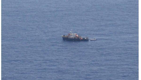 Рыболовное судно Вега-5 с пиратами на борту