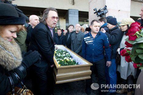 Прощание с певцом и композитором Александром Барыкиным