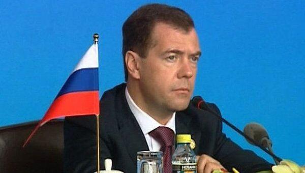 Медведев: ливийская проблема не должна решаться силовыми методами