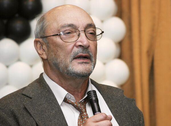 Артист театра и кино, режиссер Михаил Козаков.