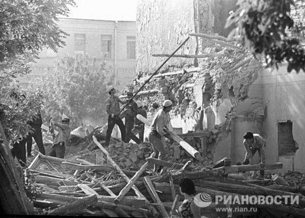 Разборка зданий в Ташкенте после землетрясения