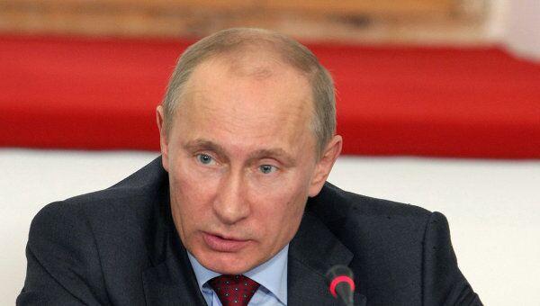 Премьер-министр РФ Владимир Путин провел совещание в Пскове