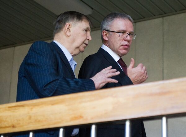 Виктор Тихонов и Вячеслав Фетисов (слева направо)