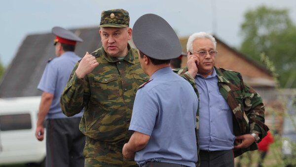 Игорь Алешин (в центре). Архив
