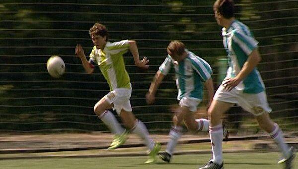 Трансплантологи сыграли в футбол со своим пациентами в Лужниках