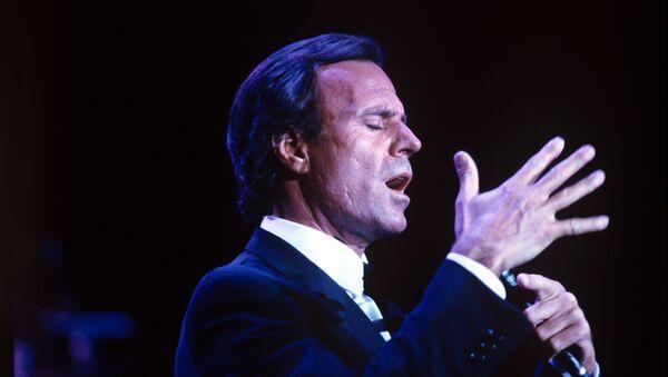 Испанский певец Хулио Иглесиас. Архивное фото