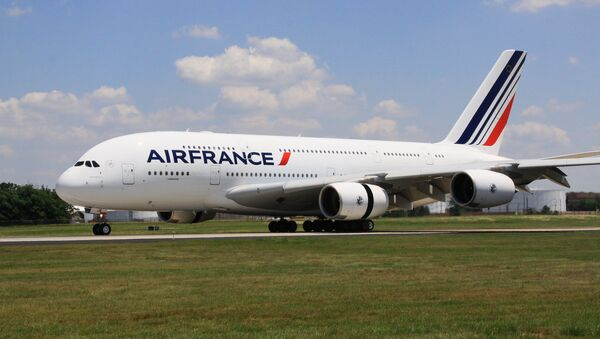 Самолет Airbus 380 авиакомпания Air France. Архивное фото