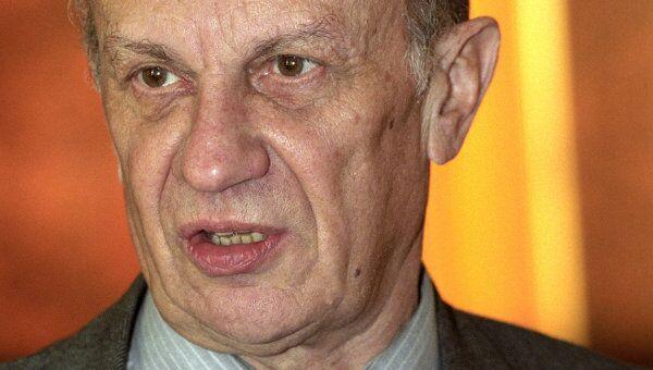 Председатель Конституционного суда России Владимир Туманов