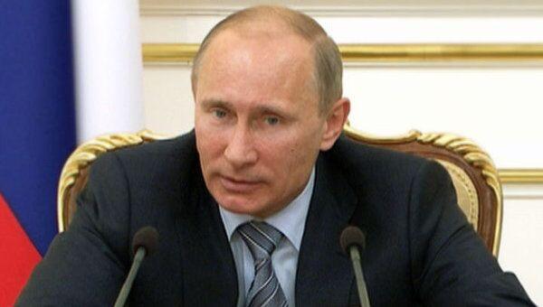 Путин предложил сместить акценты в борьбе с безработицей