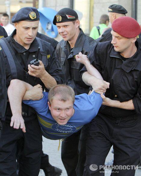 Акция белорусской оппозиции Революция через социальную сеть в Минске