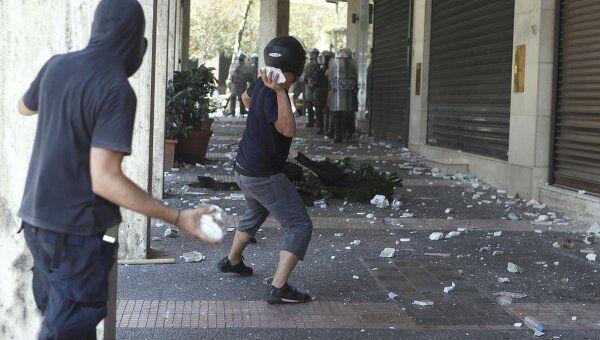 Массовые демонстрации против новых мер по сокращению расходов в Греции
