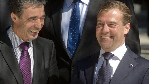 Встреча Д.Медведева с участниками заседания Совета Россия—НАТО