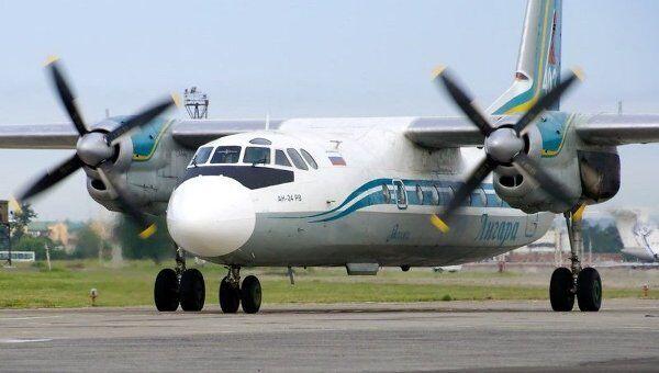 Самолет АН-24 авиакомпании Ангара. Архив