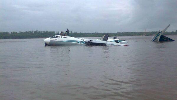 Аварийная посадка самолета Ан-24 на Оби