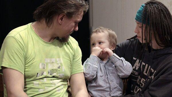 Наталья Сокол с мужем Олегом Воротниковым и сыном Каспером