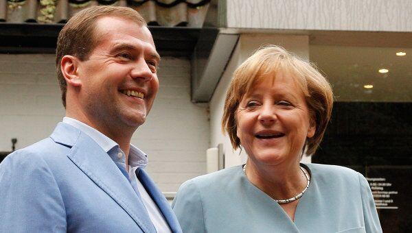 Президент России Дмитрий Медведев и канцлер ФРГ Ангела Меркель провели встречу в городе Гарбзен