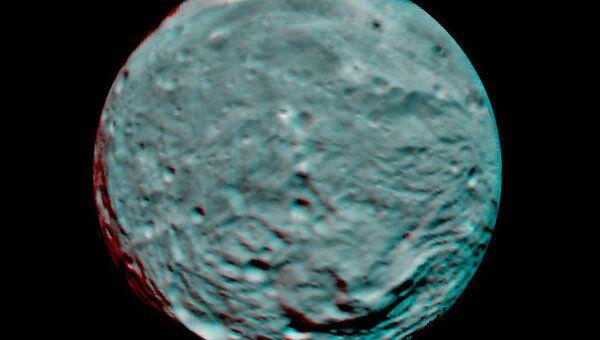 Снимки астероида Веста с борта космического аппарата Dawn