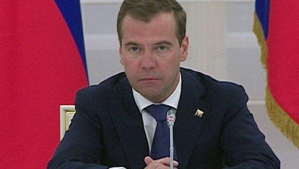 Медведев упрекнул правительство за проволочку с законом о патентном суде