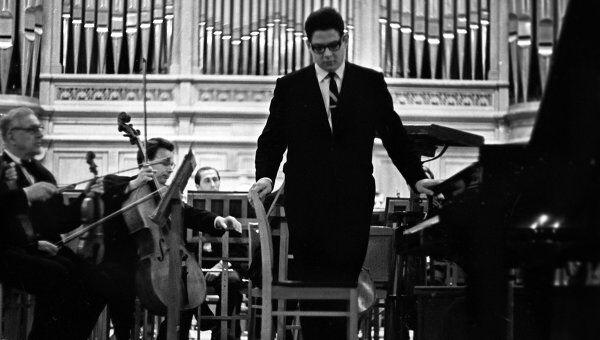 Николай Петров, участник конкурса пианистов на III Международном конкурсе музыкантов-исполнителей имени П.И.Чайковского