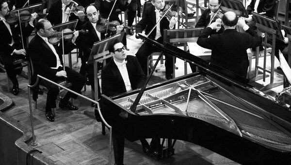 Всемирно известный российский пианист Николай Петров