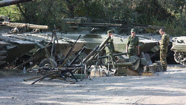 Оставленная грузинской армией бронетехника и оружие