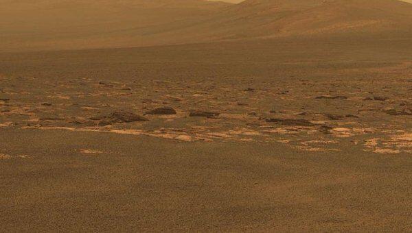 Западный край кратера Индевор на Марсе, фото с марсохода «Оппортьюнити»