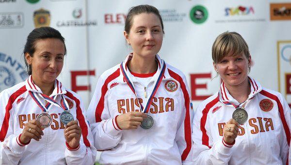 Любовь Галкина, Татьяна Юшкова и Алена Низкошапская (слева направо)