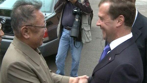 Медведев встретился с Ким Чен Иром в закрытом военном городке в Бурятии