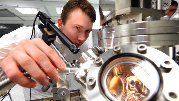 Ученые создали электронный клей на основе нанокристаллов