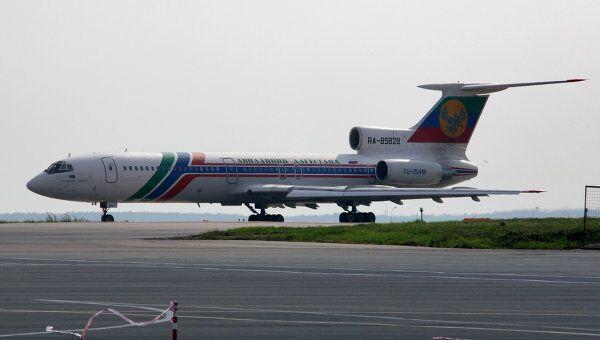 Самолет Ту-154 авиакомпании Дагестанские авиалинии. Архив