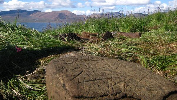 Петроглифы на Аляске. Архивное фото.