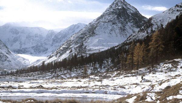 Гора Белуха. Архивное фото