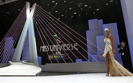 Представительница Анголы Лейла Лопес получила титул Мисс Вселенная 2011