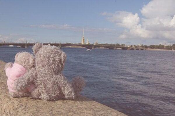 Нева – символ Петербурга. Петропавловская крепость – его нач